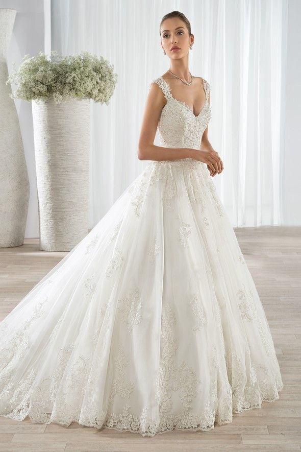Demetrios Collection Bridal Gowns - Style 605 | Sophisticated Bride ...