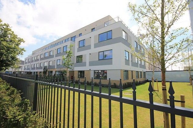 Property Let of the Week: Don't miss out on this one bedroom apartment in the popular West Plaza development in Staines-Upon-Thames. £950 pcm. More details: http://bit.ly/2svGoL2 #Staines #Property #Let | The Frost Partnership