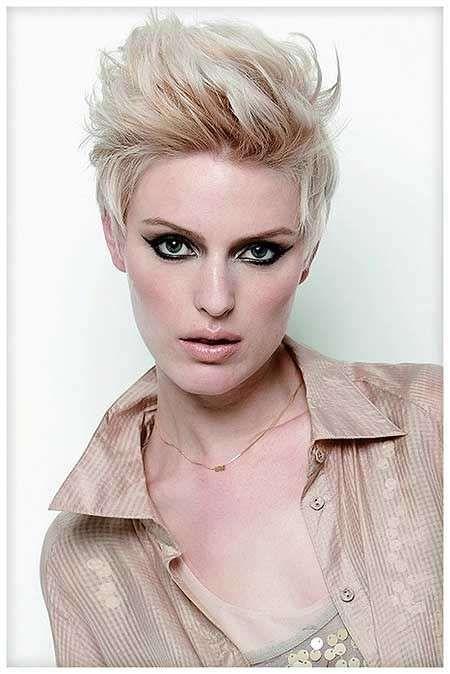 Image result for capelli corti donna cresta
