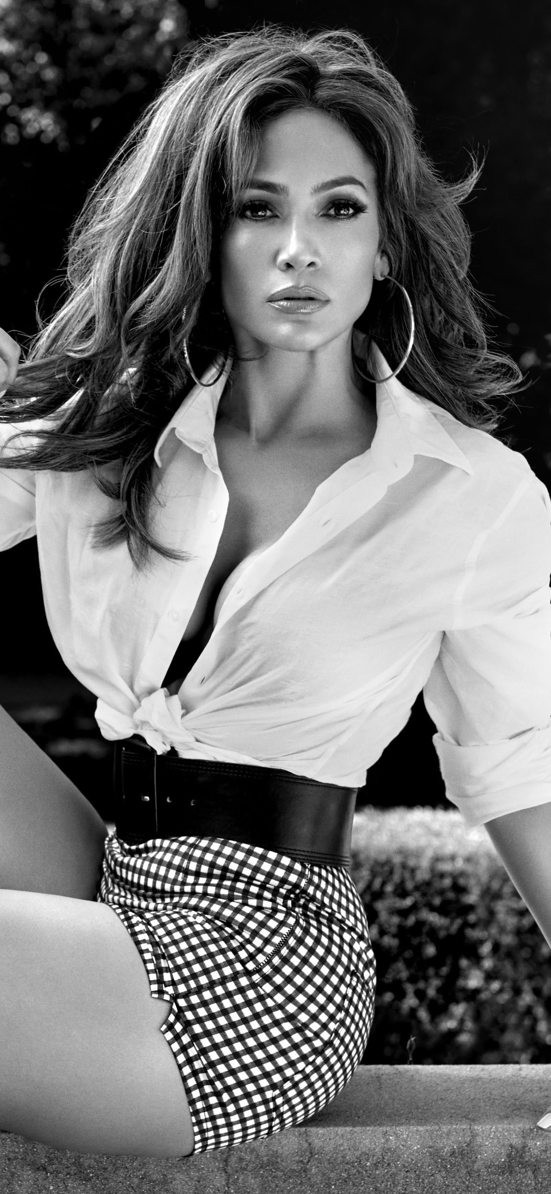 1125x2436 Jennifer Lopez Guess Campaign Photoshoot 5k Iphone Xs Iphone 10 Iphone X Hd 4k Wallpapers Images Backgrou Jennifer Lopez Jenifer Lopez J Lo Fashion