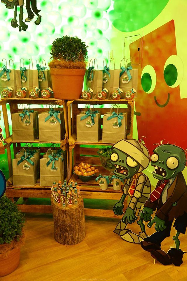 Festa infantil plants vs zombies para o ytalo birthday for Decoracion con globos plantas contra zombies
