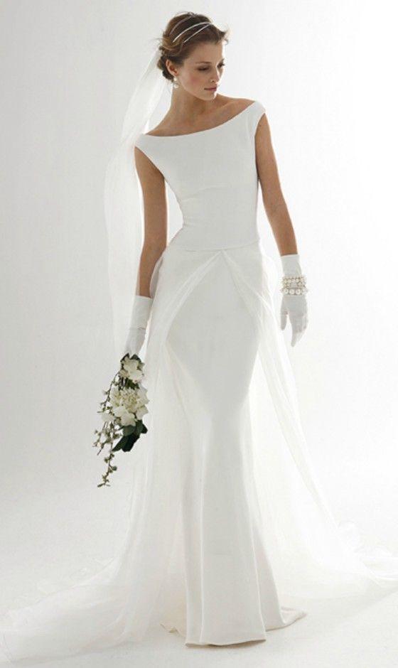 Einfaches elegantes Hochzeitskleid für ältere Braut #satinweddingdresses #weddingdress