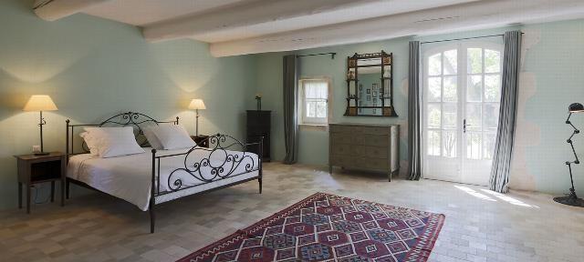 Le Mas Des Trois Platanes Chambres à coucher Pinterest Villa