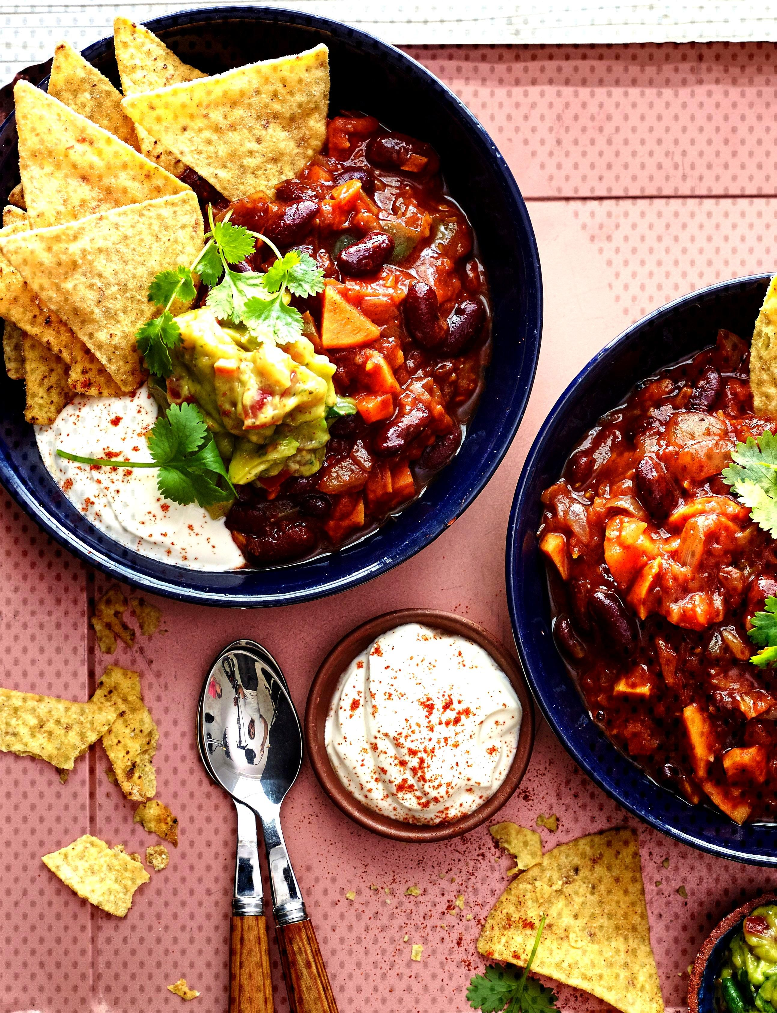 Big bowl veggie chilli - packed full of yummy superfoods like red kidney beans, avocado, tomatoes a