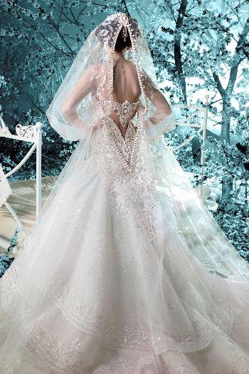 2011 – Autumn Winter | Michael Cinco Couture | A Treasured Moment ...