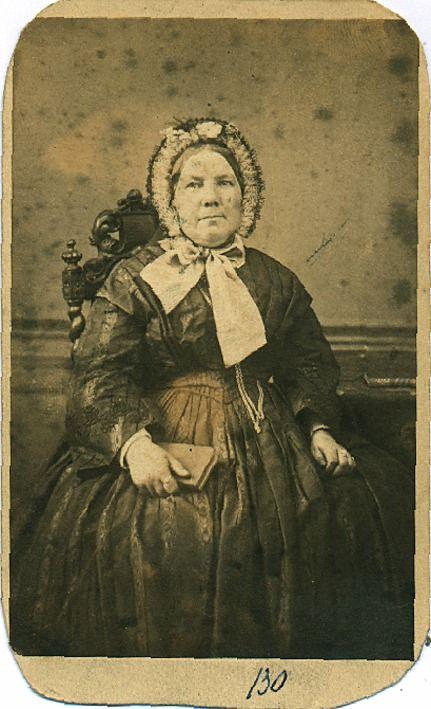 Johanna van Gennip, 'uit de Trompet', geb. Stratum 15.06.1815, overl. Eindhoven 02.07.1890, tr. Jos. van der Velden - Auteur: Loo, B.T. van - 1870 - 1880