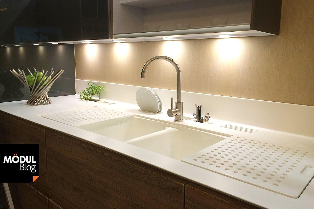Corian smart countertop innovaci n funcional para tu for Disenos de cocinas en cuba