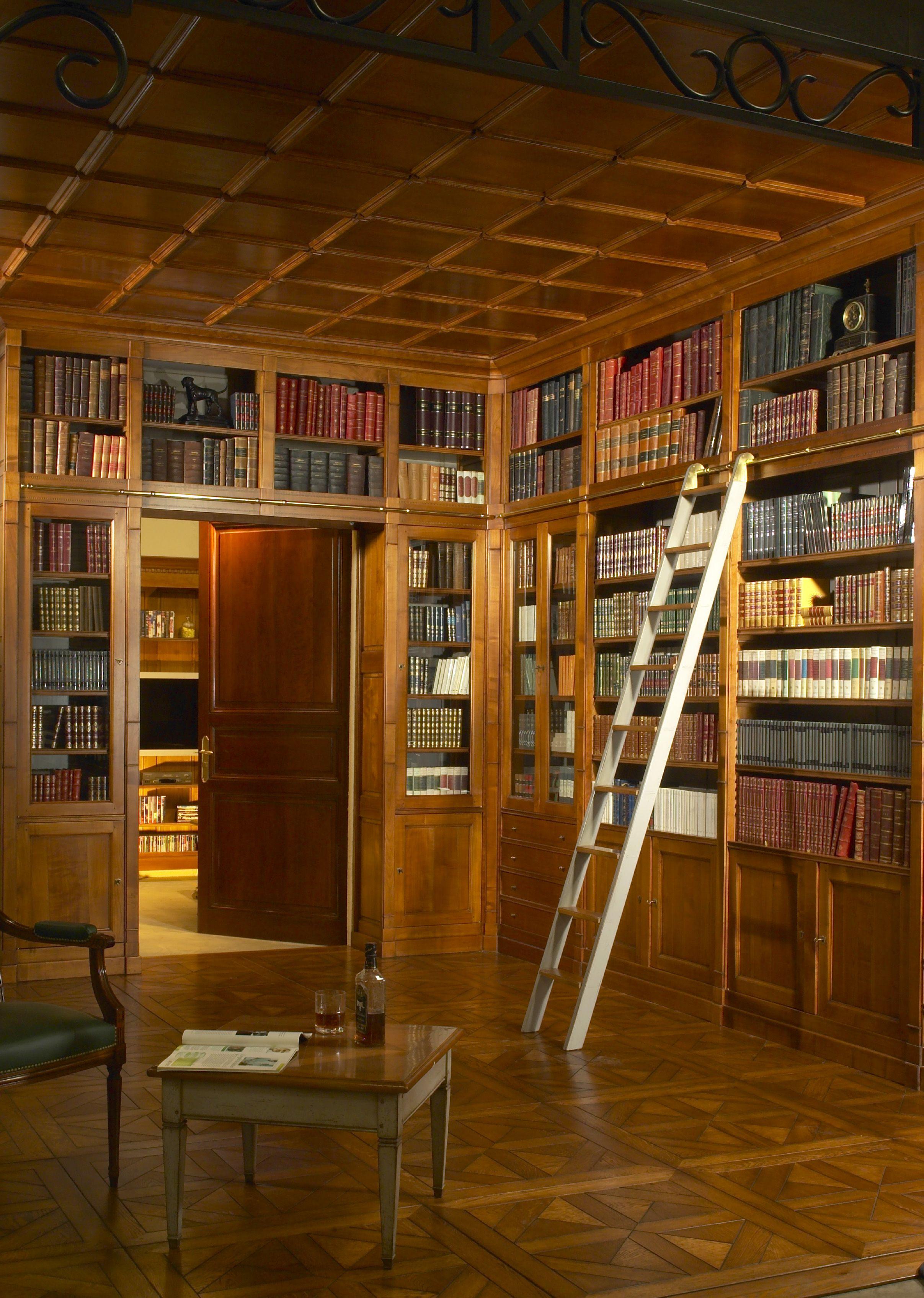 boiseries et lambris style directoire meubles richelieu boiseries et lambris en bois massif. Black Bedroom Furniture Sets. Home Design Ideas