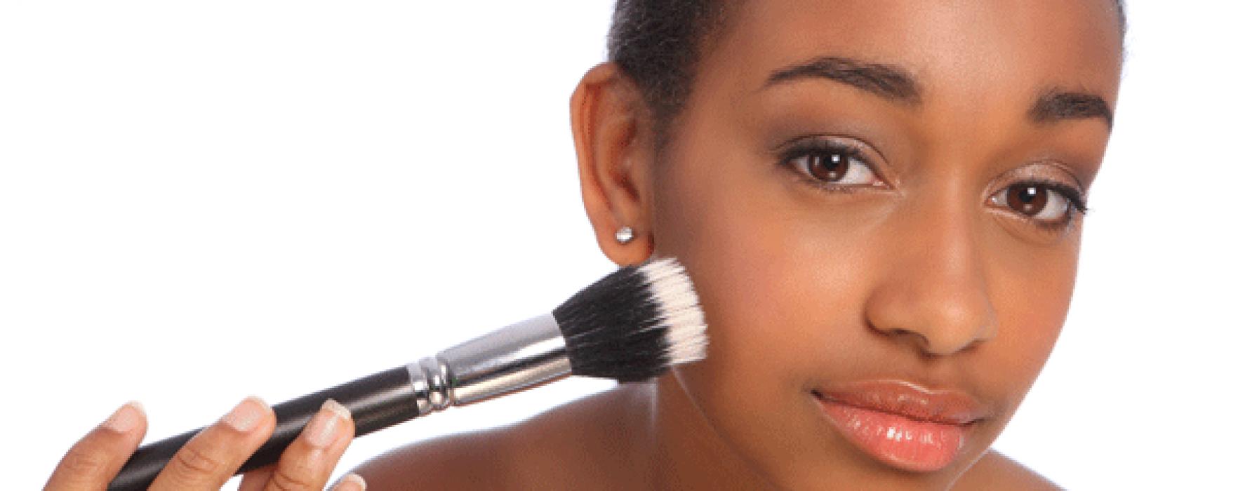 Make-up is leuk om mee te experimenteren en kan er geweldig uit zien wanneer het goed gedaan is. Maar vele van ons durven het niet aan, of zijn niet zeker genoeg om de verschillende soorten cosmetica en kleuren die er zijn te verkennen. Make-up kan je beste vriend of je ergste vijand zijn, maar er is hoop voor ons allemaal …http://www.emeral-beautylife.nl/beauty-tips-voor-de-getinte-donkere-huidtinten/