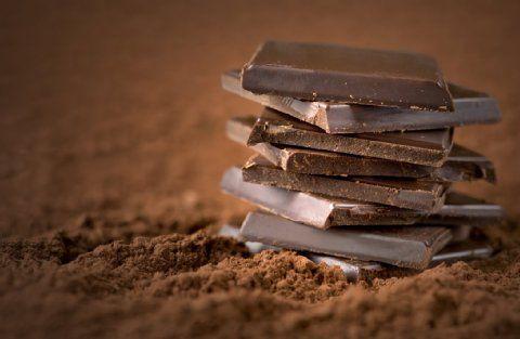 Wir lieben Schokolade! Rezepte für eigene Pralinen und ein Genießerabend-Termin verraten wir hier.