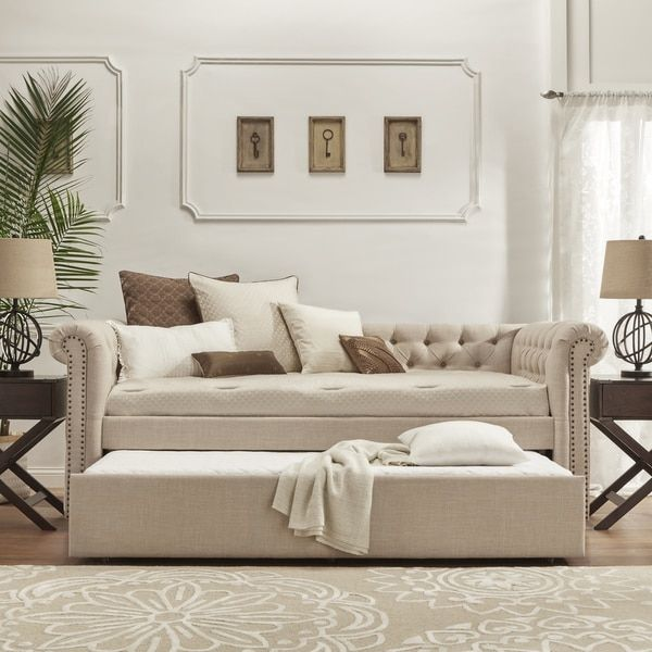 SIGNAL HILLS Knightsbridge Tufted Scroll Arm Chesterfield Daybed and