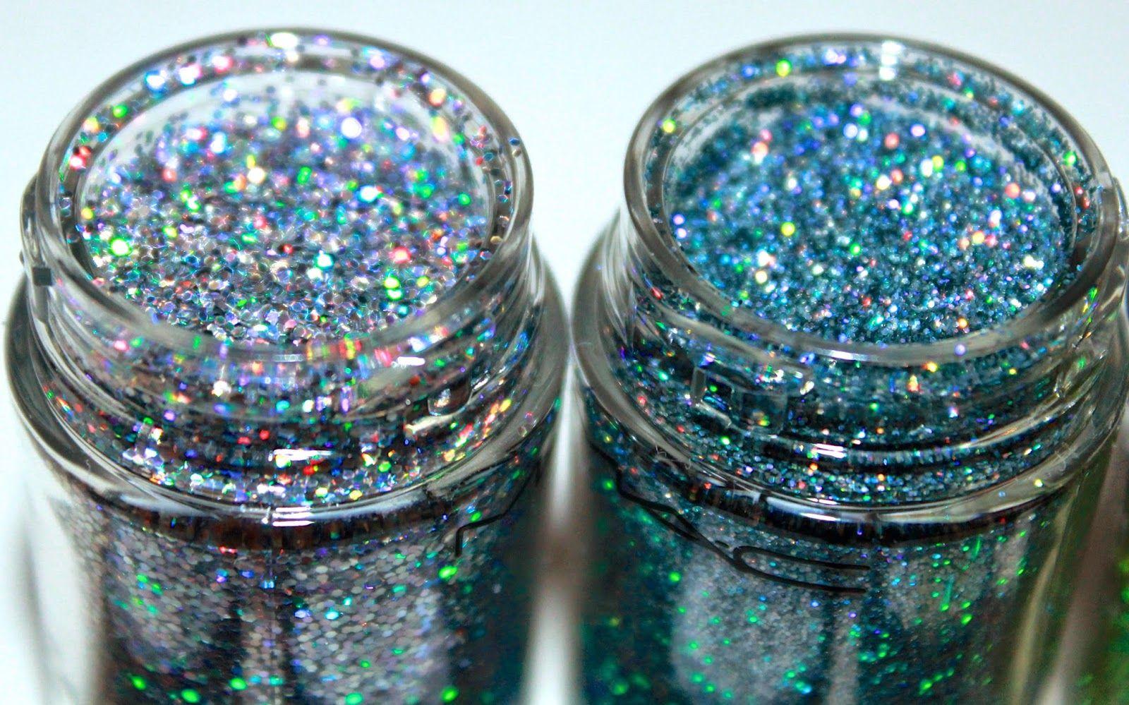 Aqeela MUA New Release MAC 3D Glitters Review