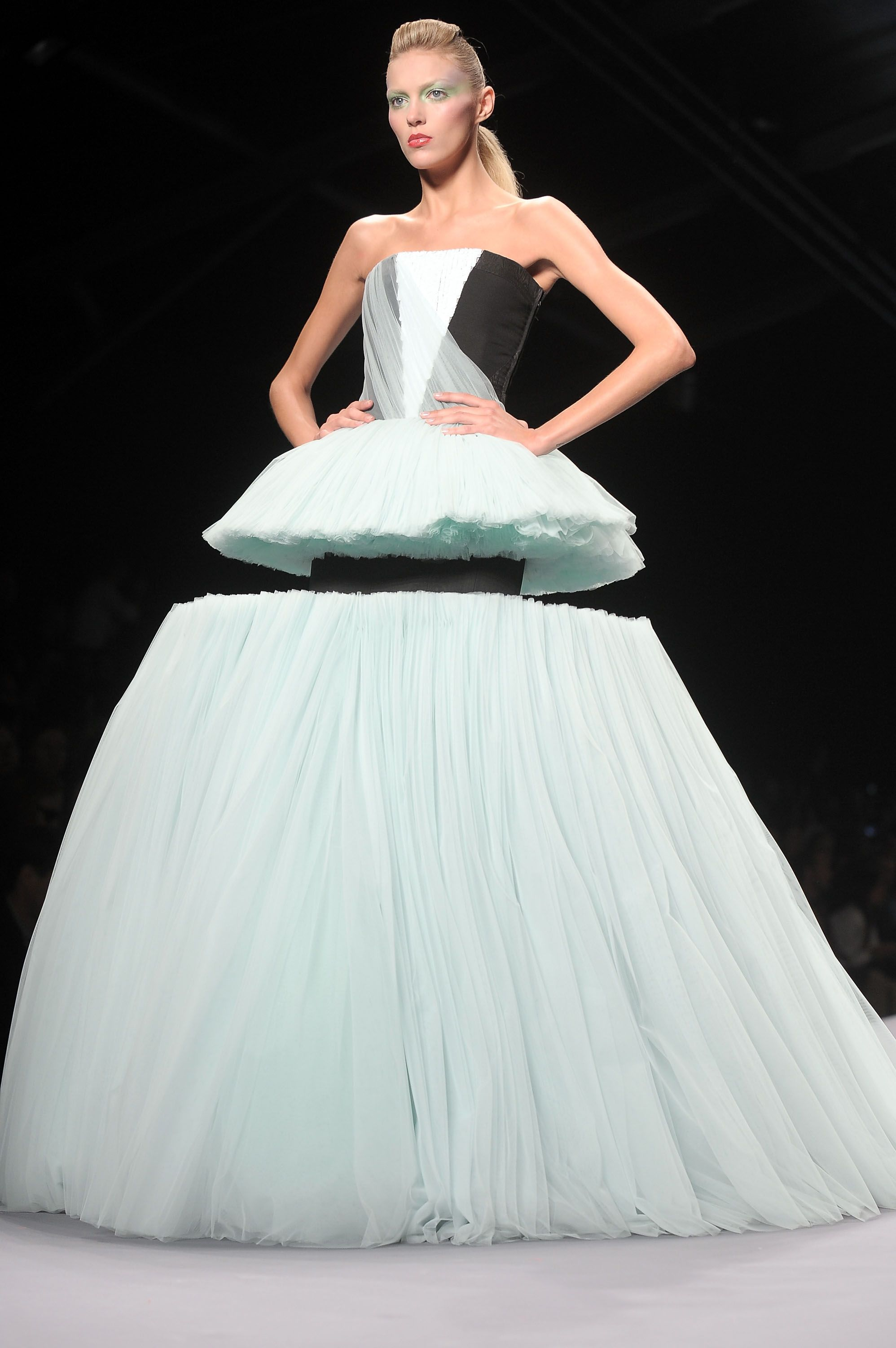 Viktor and Rolf, SS 2010