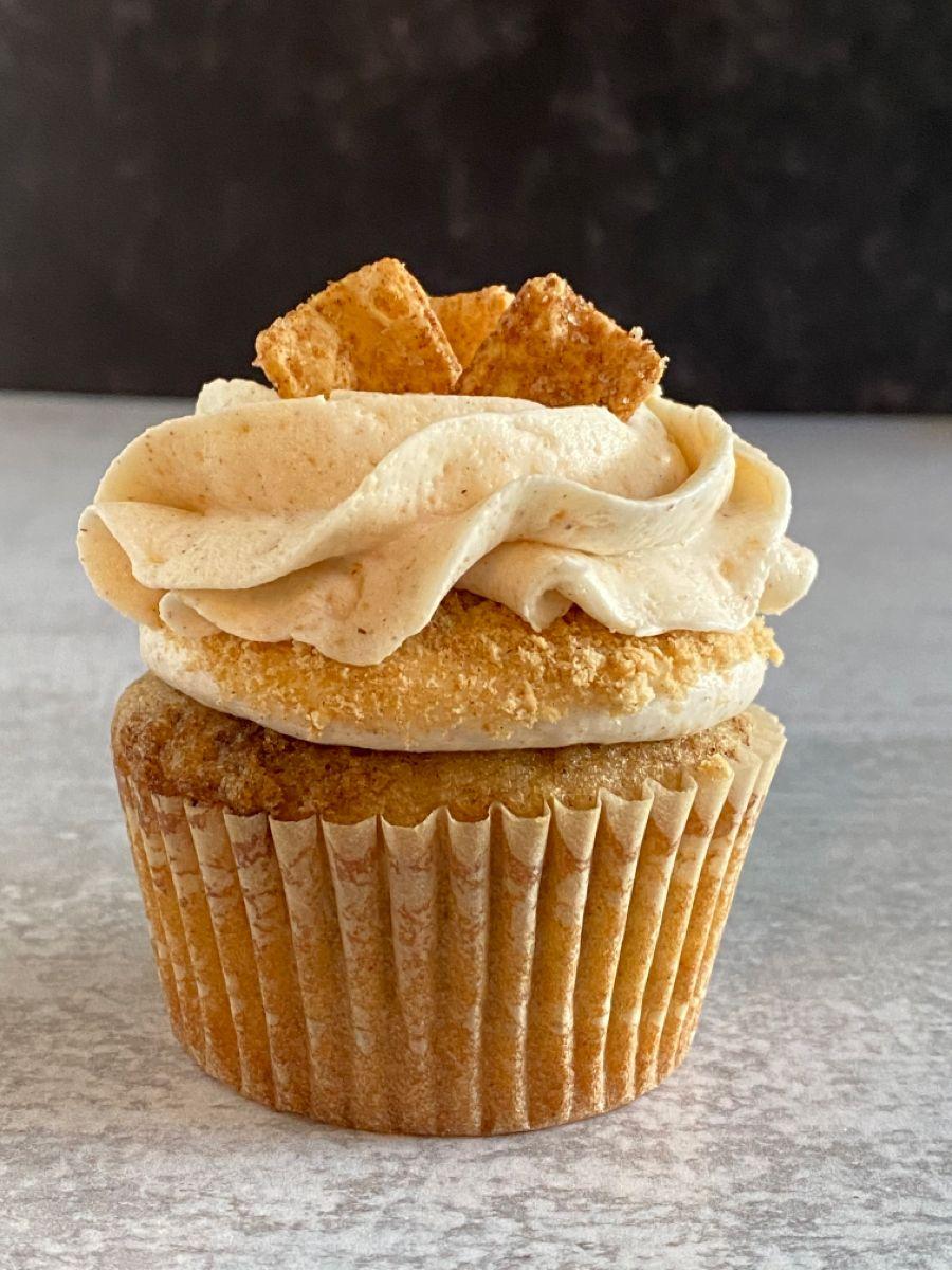 Cinnamon toast crunch cupcake in 2020 cinnamon toast