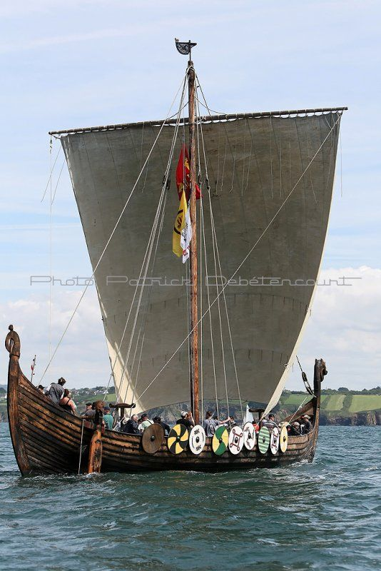 Viking Ship Replica With Images Viking Ship Longship