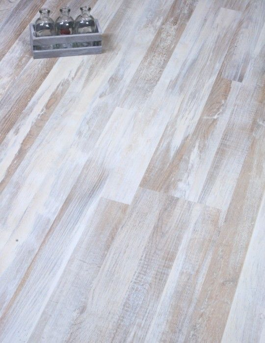 Dynamic Geo Oak By European Manufacturers Kronotex Is A Stunning Distressed White Laminate Floor That Uses White Laminate Flooring White Laminate Wood Floors