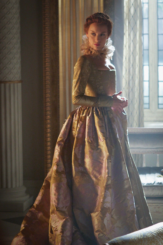 1 arm long dresses queens