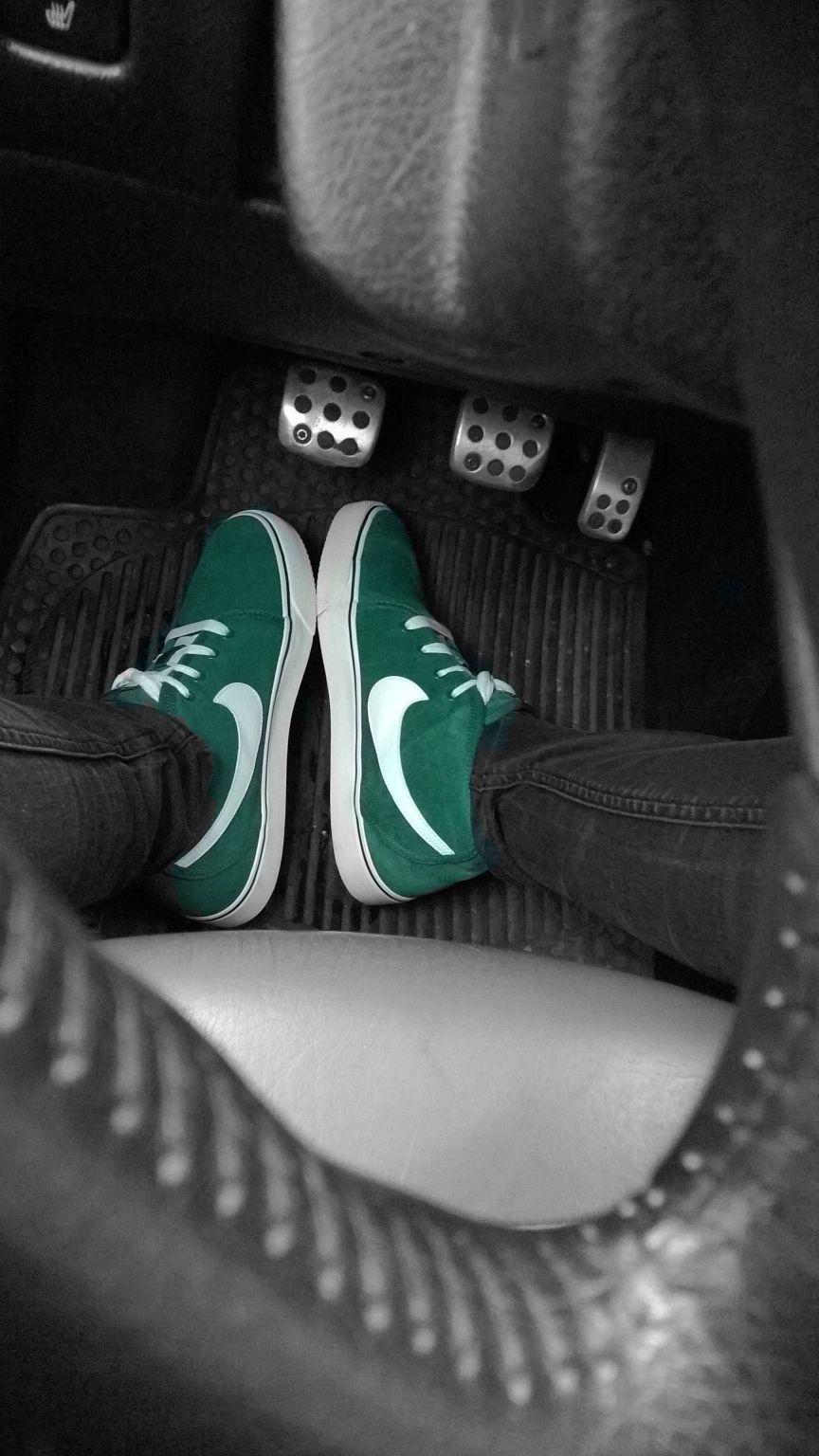 Nikeeee grün