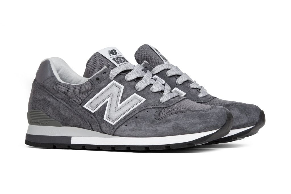 premium selection 0182c 095eb New Balance Men's 996 'Heritage' - Grey/Silver | Shoes | New ...