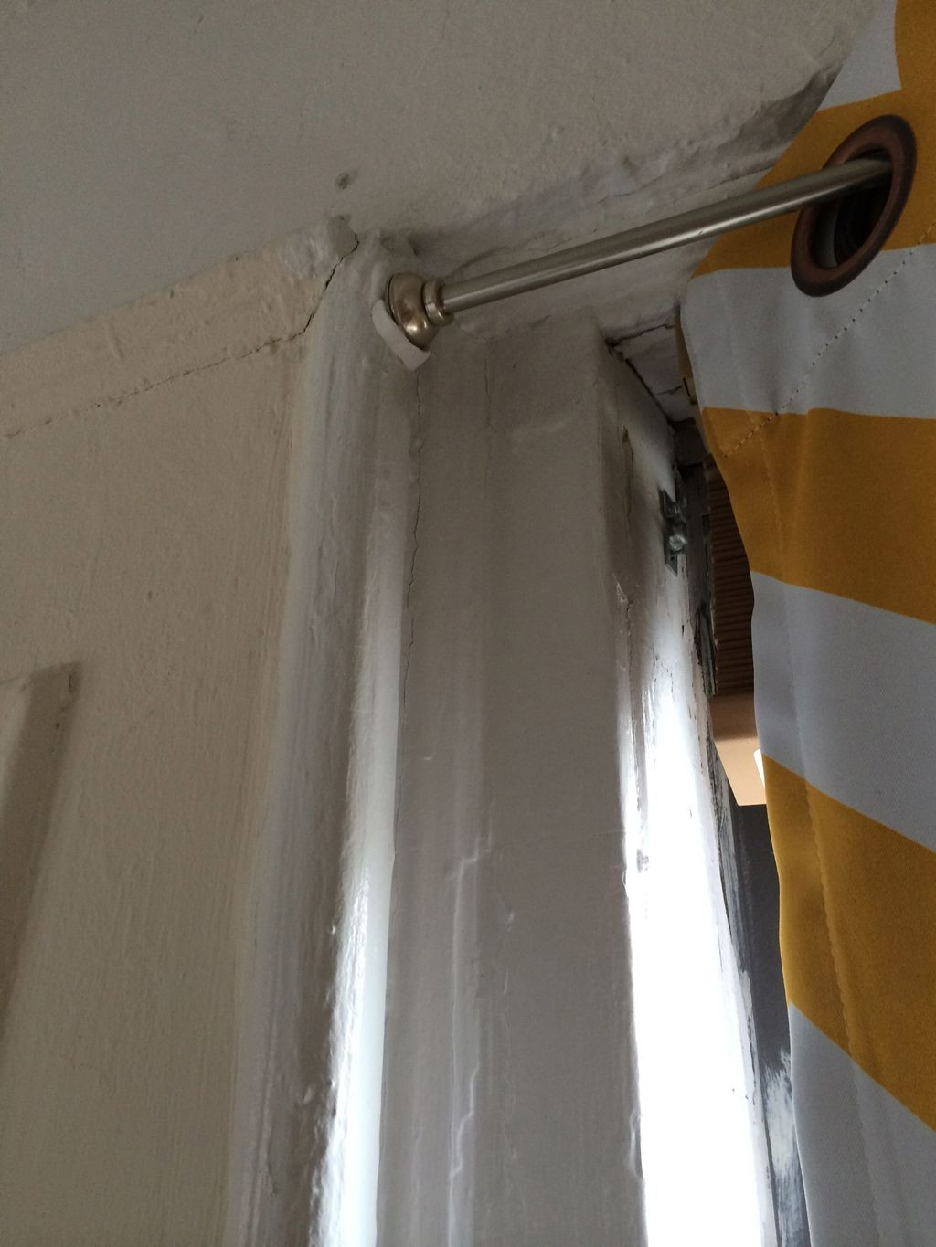 Prevent A Curtain Rod From Falling Curtain Rods