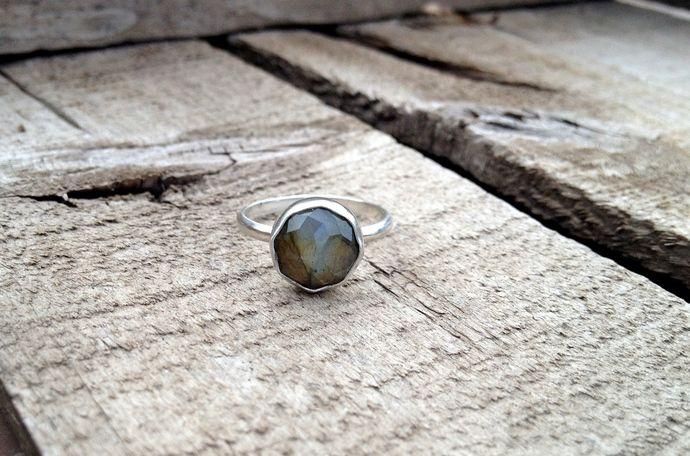 Cube Cut Blue Green Round Labradorite Sterling Silver Ring by GildedBug, $36.00 USD