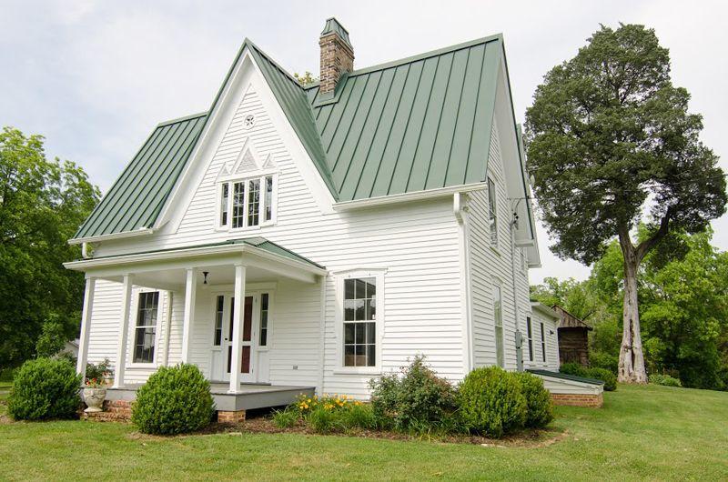 I Heart Hgtv Blog Farmhouse Renovation Green Roof House Farmhouse Exterior