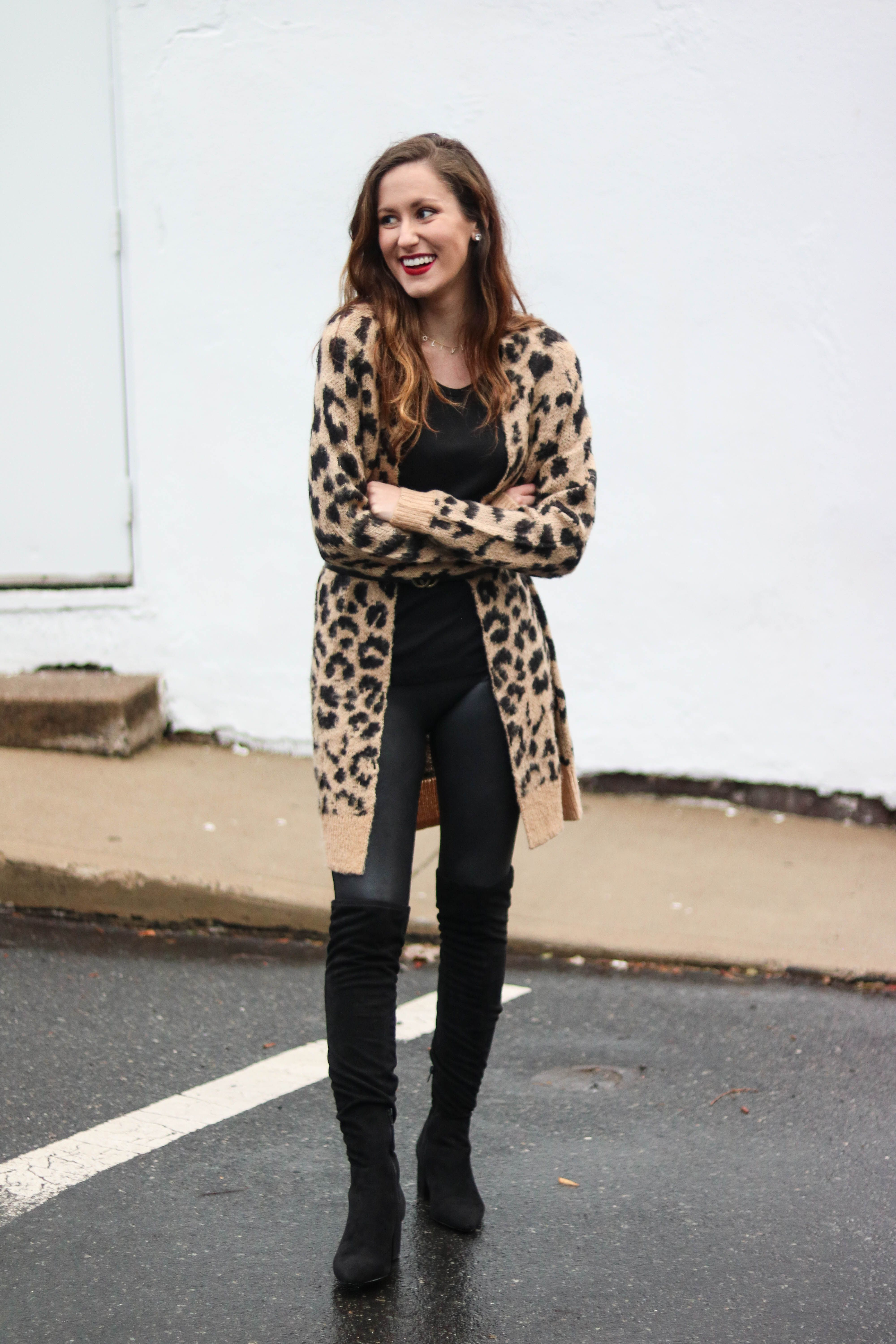 0348a0d2555f2 Leather Leggings Lookbook: 6 Ways to Style Leather Leggings, leather  leggings outfit, fall