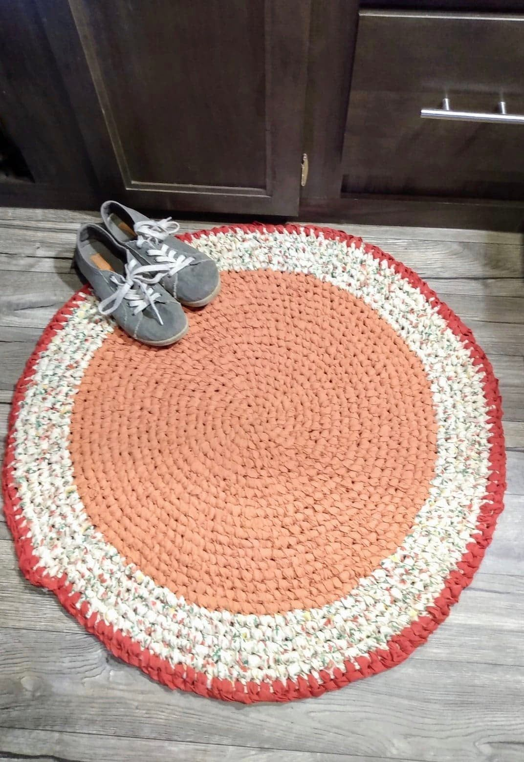 Pale Pumpkin Rag Rug Round Toothbrush Amish Knotted Outer Ring A Coordinating Reddish Orange Fall Kitchen Entry Bathroom Machine Wash Rag Rug Rugs Rug Making