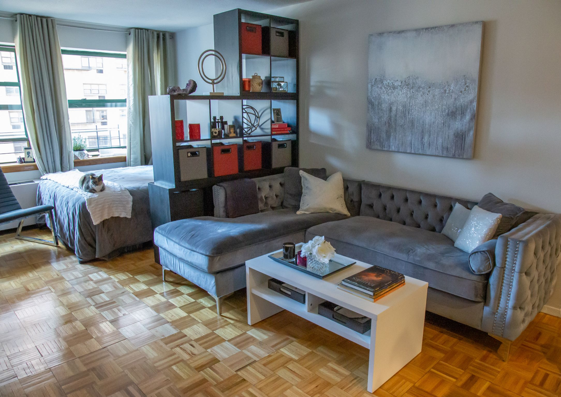 Before And After Barbara Reich Transforms A Nyc Apartment On Wpix One Bedroom Apartment Apartment Decor Nyc Apartment