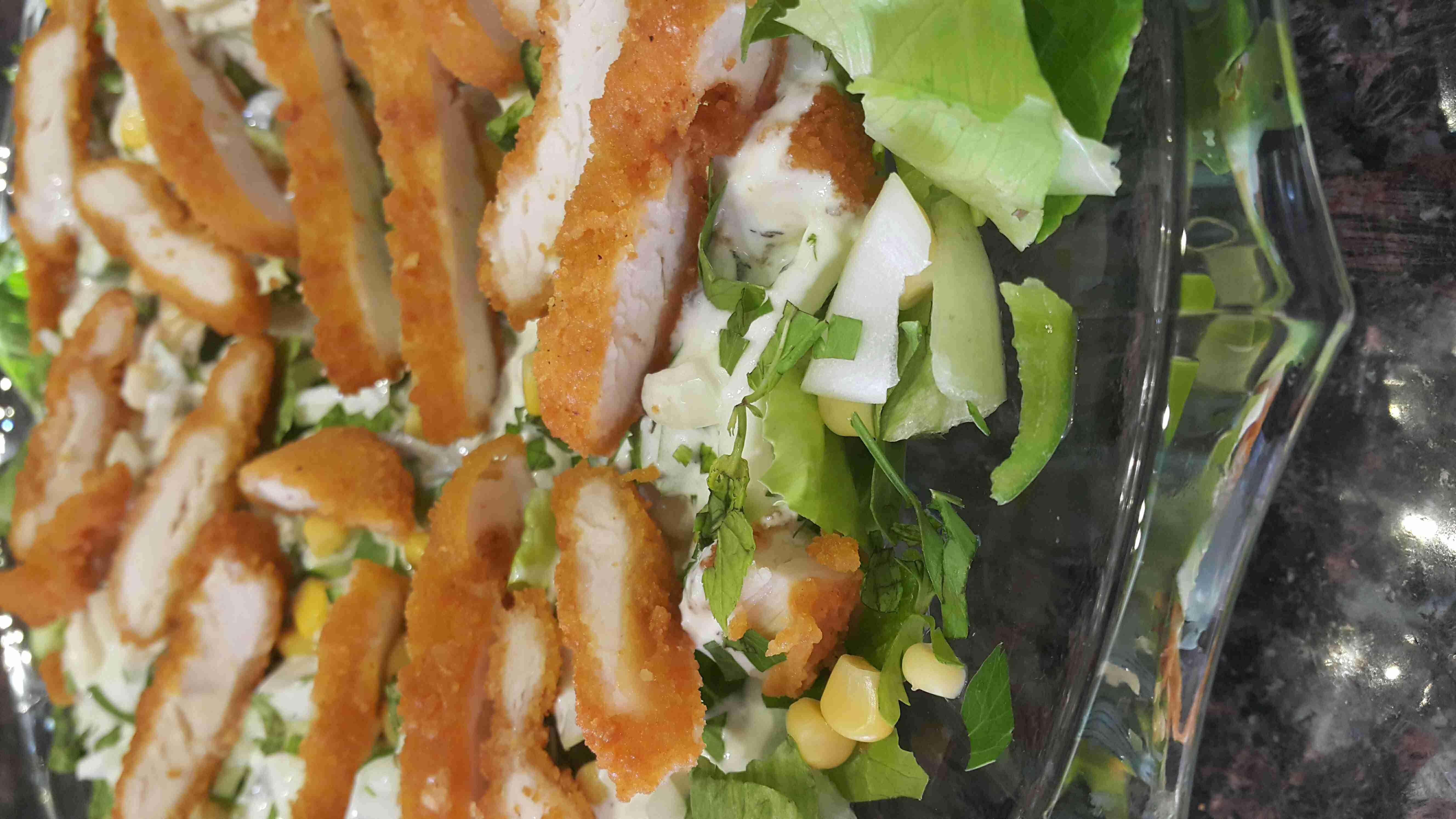 سلطة الدجاج بالزبادي أطباق جانبية رمضانية سلطات و مقبلات مقبلات رمضانية سلطة الدجاج بالزبادي عزيزتي المتابعة بصمت لتصلك مزيد من الوصفات ضعي Side Plates Plates