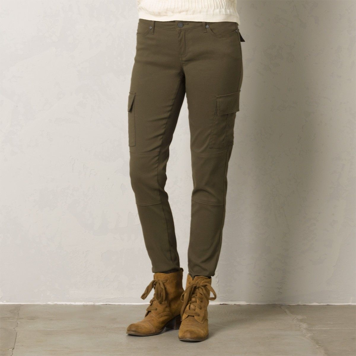 805678d3cd201b348feb2cf31a09fb30 meme pant classic style, stretches and outdoors