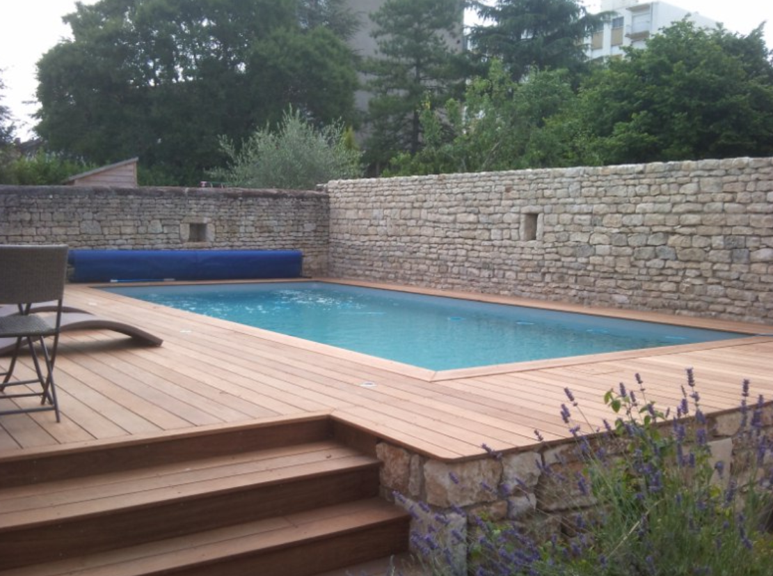 Piscine semi enterr e bois et pierre piscine pinterest for Piscine semi enterree bois hexagonale