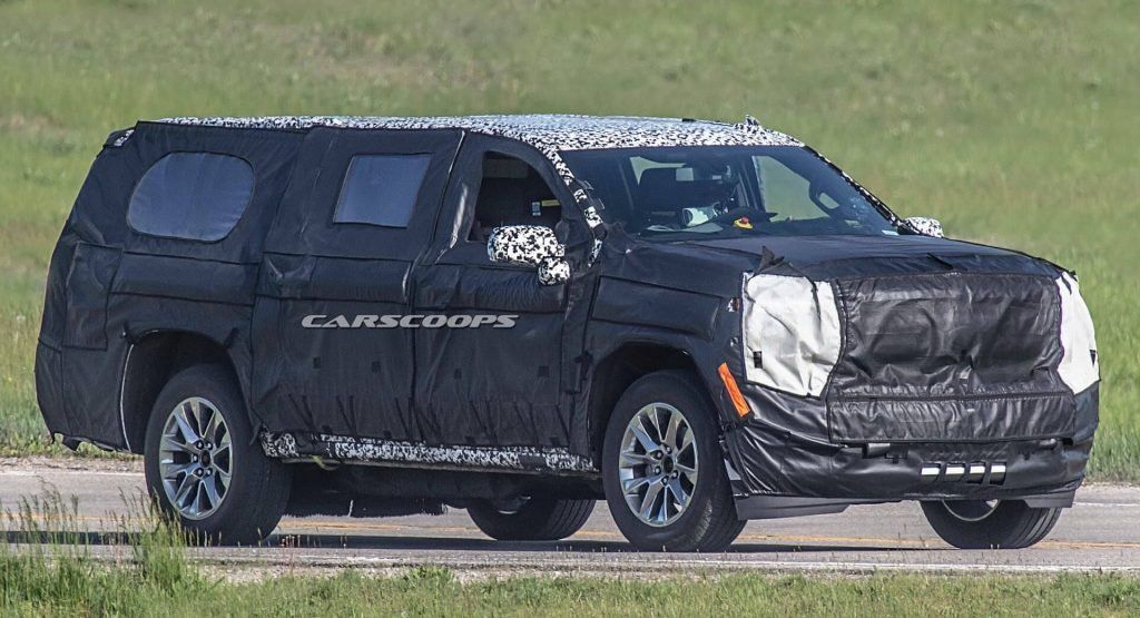 All New 2020 Chevy Suburban Prototype Tries To Hide Independent Rear Suspension Chevy Suburban Chevy Chevrolet Suburban