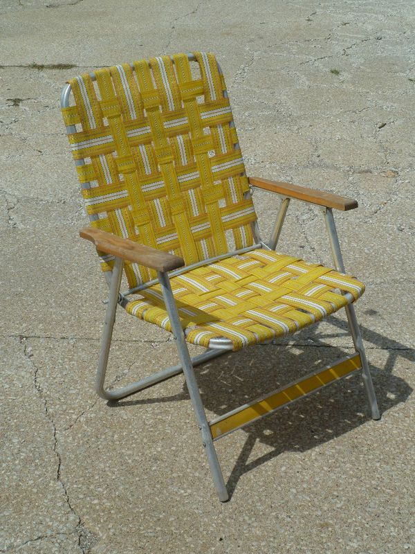 Beau VINTAGE ALUMINUM FOLDING WEBBED LAWN CHAIR...still Have A Few Of These In  The Pool House For Overflow Guests