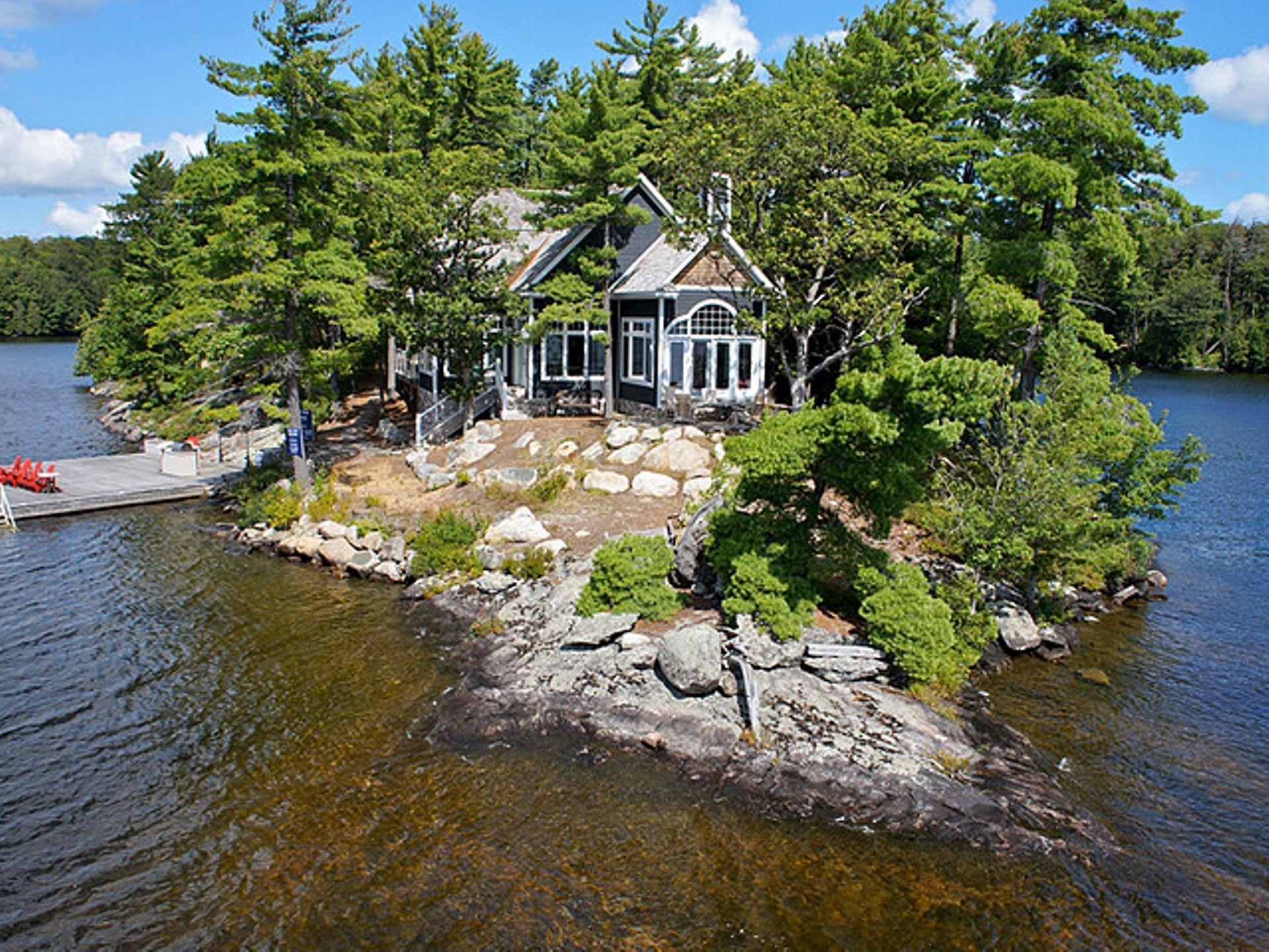 Cove Island Muskoka Ontario Lake Cottage Lakeside
