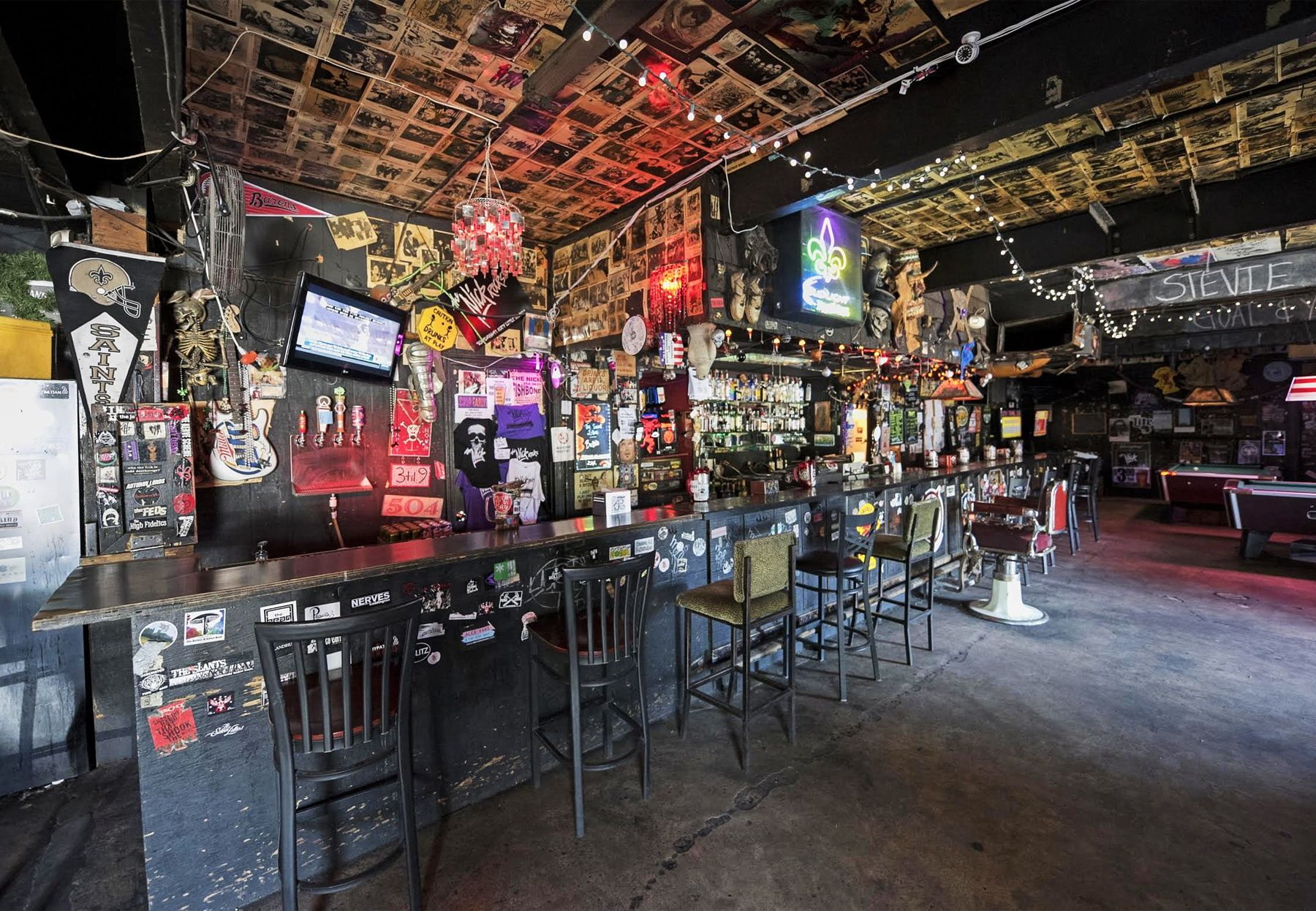 SBBHMDiveBarTheNick5.jpg (1800×1246) Dive bar, Bar