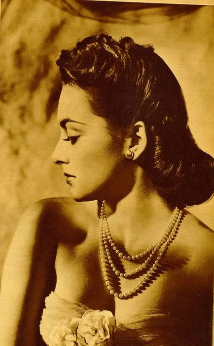 """""""Playing good girls in the 30's was difficult, when the fad was to play bad girls. Actually I think playing bad girls is a bore; I have always had more luck with good girl roles because they require more from an actress."""" ~ Olivia De Havilland"""