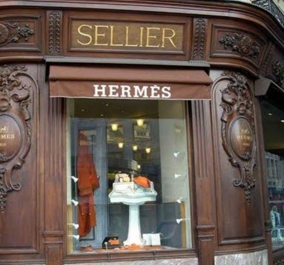 HERMES, Avenue George V, Paris..... the \