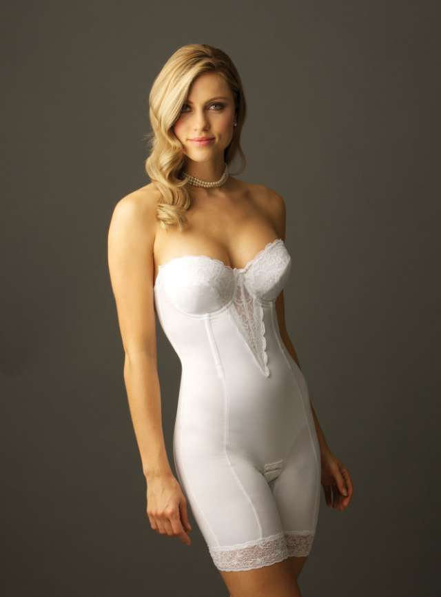 Choosing The Best Undergarments For Your Wedding Dress