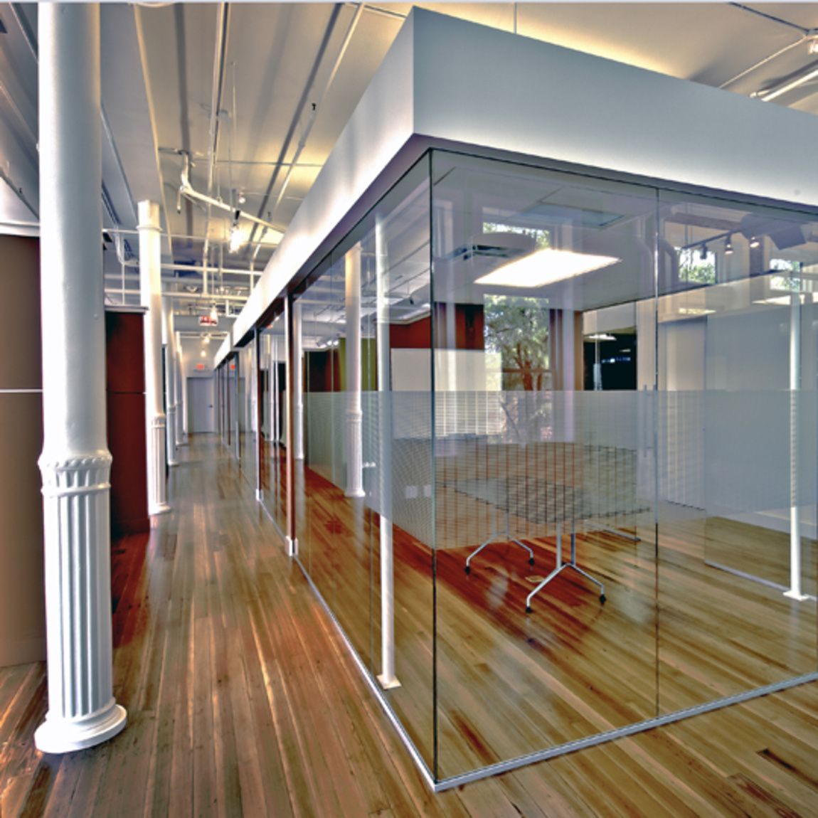 Lamp Post Group Meeting and Collaboration Spaces located in the ...