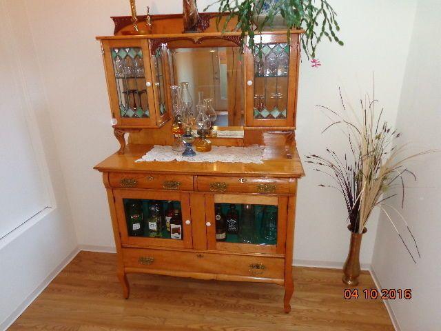 Vaisselier antique buffets, vaisseliers Sherbrooke Kijiji Antiquités un jour? Jour j