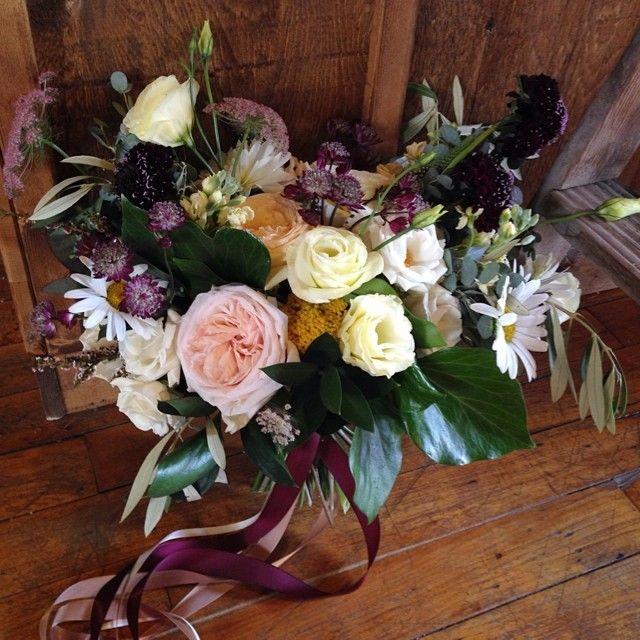 Gorgeous Coriander wedding in sight today. #coriandergirl #corianderweddings #florist #flowers #bride #bridalbouquet #wedding #weddingflowers @coriandergirl @coriandergirlweddings