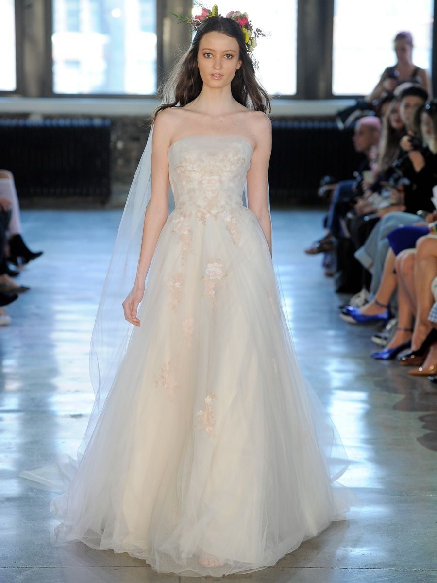 Wtoo by Watters Fall 2018: Stunning, Shakespeare-Inspired Wedding ...
