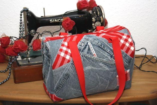 Handtasche - Handtasche Bowling Bag Upcycling Jeans blau rot - ein Designerstück von MarionGreRecycling bei DaWanda