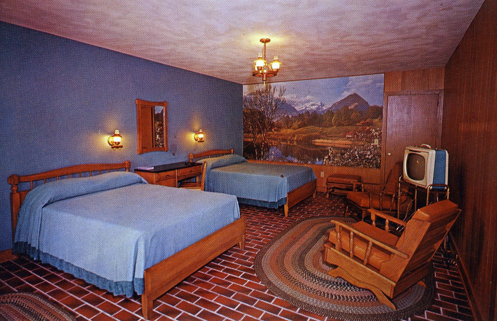 Brookside Motel And Ranch House Gatlinburg Tennessee Motel Room Ranch House Mid Century House