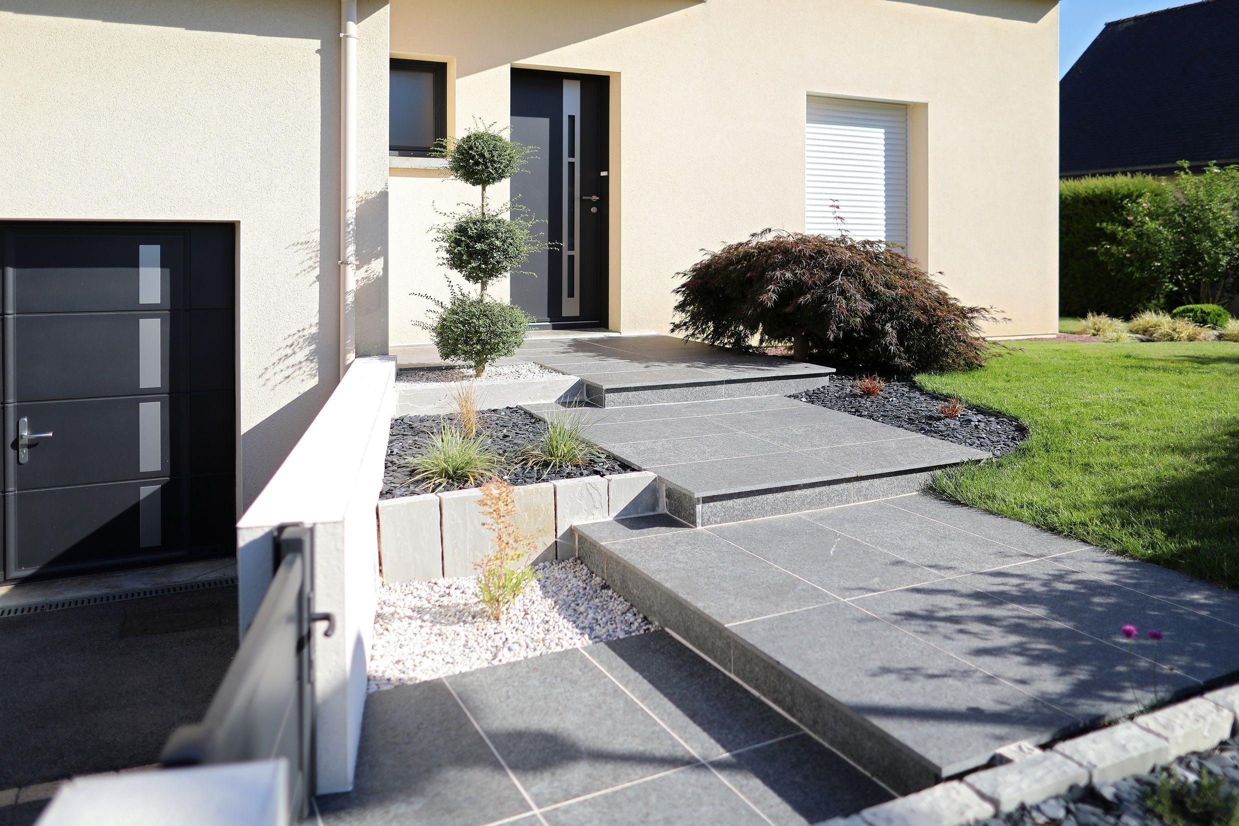 Acces Principal Maison Paysagiste Escaliers Modernes Muret De Soutenement