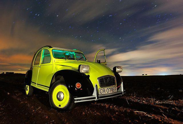 El Citroën 2CV en el firmamento, mirá nuestro tablero #Citroën por sus Fans.. en #Pinterest