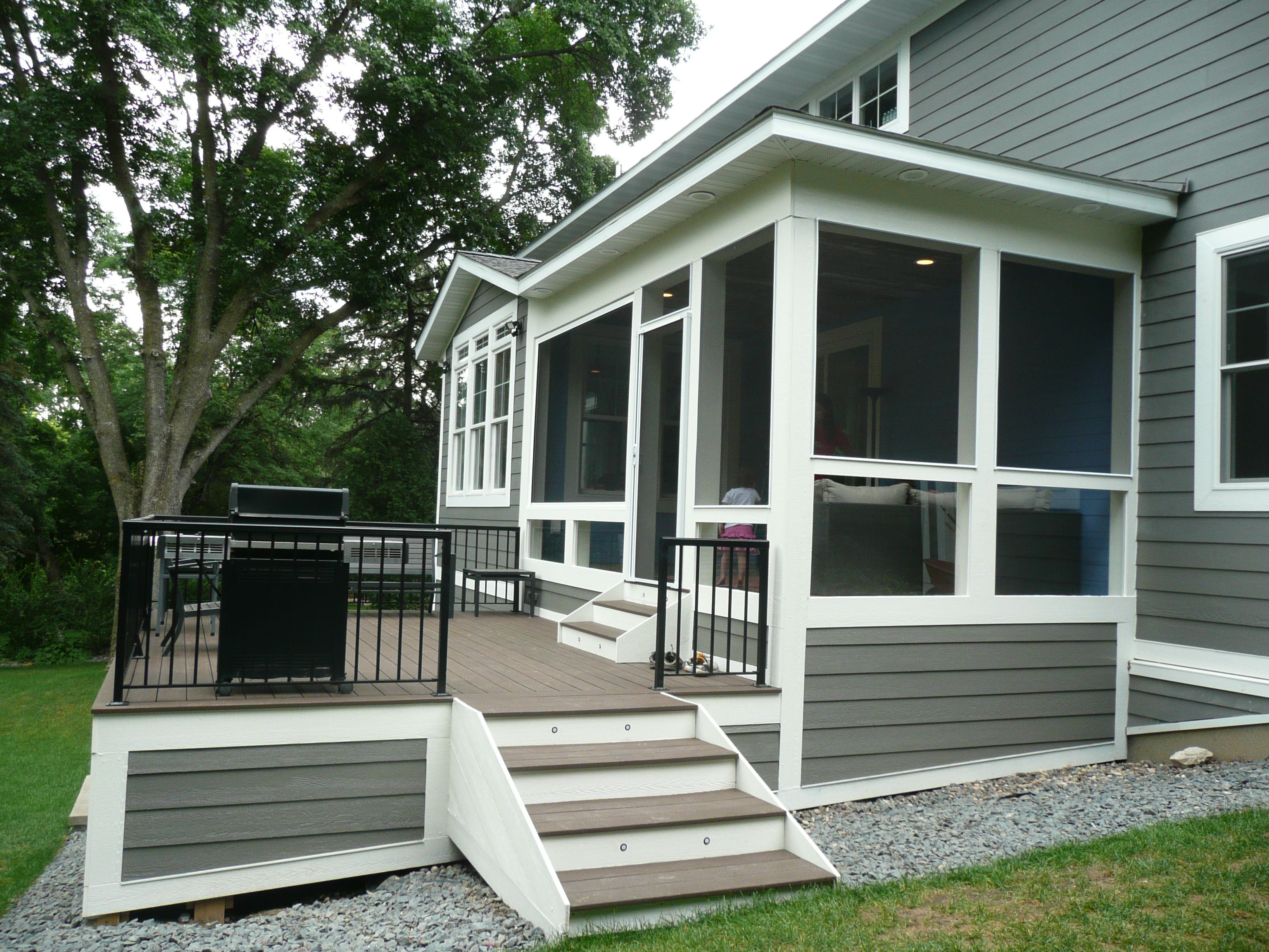 Best Azek Deck With Railcraft Aluminum Railings And Larson Roll 400 x 300