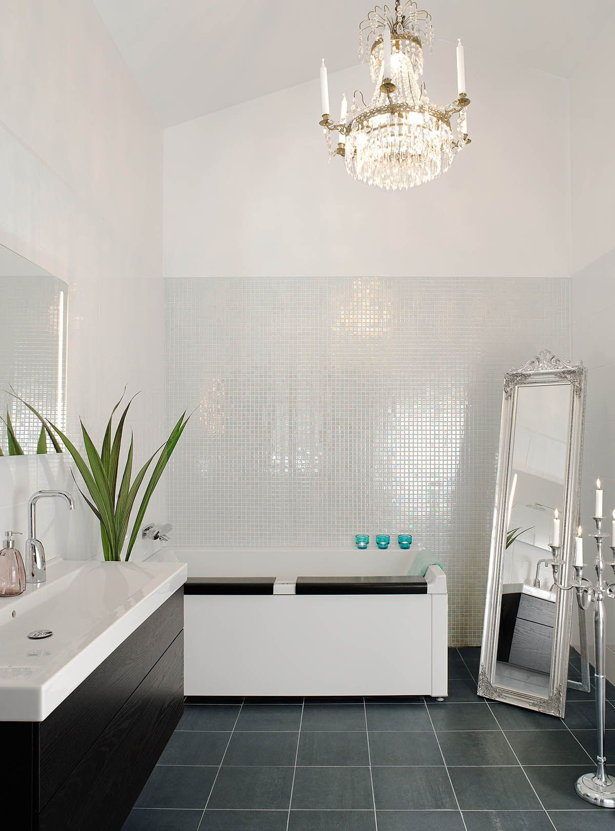 1000 images about mosaique salle de bain on pinterest pearls glass mosaic tiles and jade - Salle De Bain Mosaique Blanche