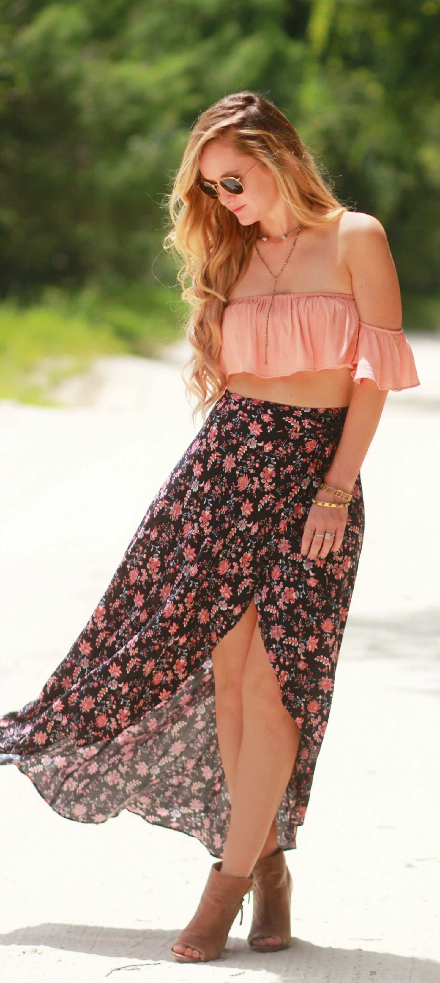 822d10b114d Boho chic outfit styled with blush ruffle crop top